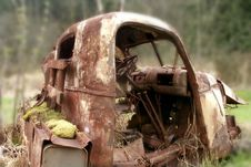 Free Derelict Truck Royalty Free Stock Image - 981086