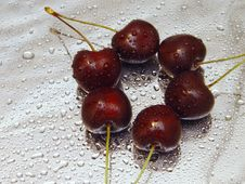 Free Three Pares Of Cherries Royalty Free Stock Photo - 982025