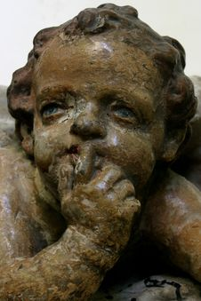 Free Cherub With Patina Royalty Free Stock Photography - 983407