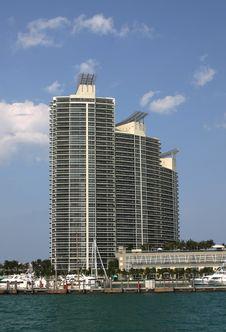 Free Miami Apartment Blocks Royalty Free Stock Photo - 983985