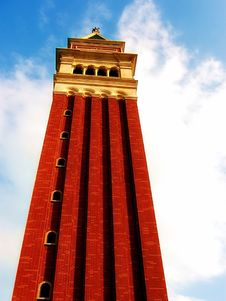 Free Italian Tower On A Sunny Day Stock Images - 986044