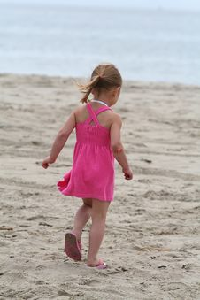 Free Girl At The Beach Royalty Free Stock Photography - 987737