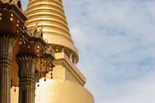 Free Thai Temple Roof Stock Image - 988311