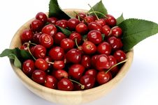 Free Cherries In Bowl Isolated Royalty Free Stock Photo - 9801055