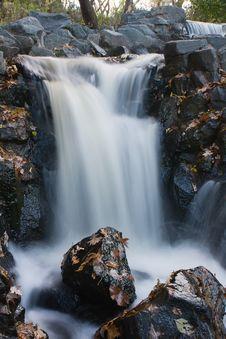 Free Wonderful Waterfall Royalty Free Stock Photos - 9802668