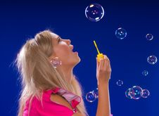 Free Soap Bubbles Royalty Free Stock Photography - 9805167