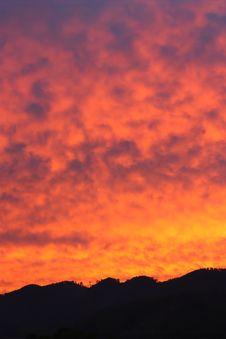 Free Rising Sun Royalty Free Stock Image - 9806456