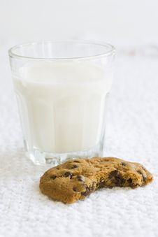 Free Cookies And Milk Royalty Free Stock Photo - 9807835