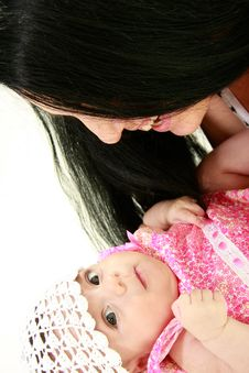 Free Happy Mother And Baby Girl Royalty Free Stock Images - 9809209