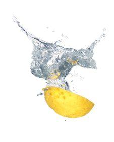 Free Splashing Lemonade Royalty Free Stock Photo - 9818695