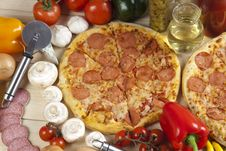 Free Pizza With Salami Royalty Free Stock Photography - 9819547