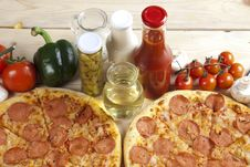 Free Pizza With Salami Royalty Free Stock Photo - 9819855
