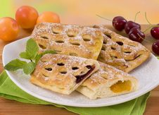 Free Sweet Pastry With Jam Royalty Free Stock Images - 9819929