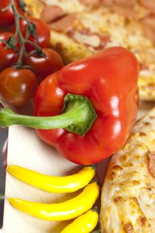 Free Pizza With Salami Stock Images - 9820714