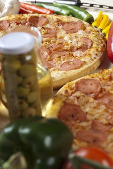 Free Pizza With Salami Stock Images - 9821134
