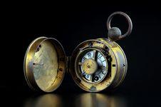 Free Old Alarm Clock Royalty Free Stock Image - 9821306