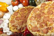 Free Pizza With Salami Royalty Free Stock Photography - 9821337