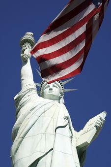 Free Statue Of Liberty And The American Flag United Sta Royalty Free Stock Photos - 9822578