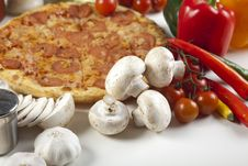 Free Pizza With Salami Stock Images - 9822834