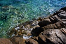 Free Seashore With Rocks Stock Image - 9823091