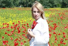 Free Blond With Red Flowers Royalty Free Stock Images - 9823779
