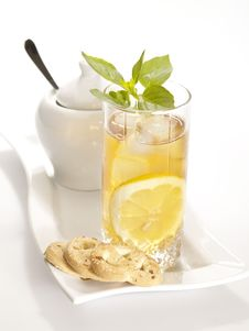 Free Cold Black Tea With Lemon Stock Photography - 9825312
