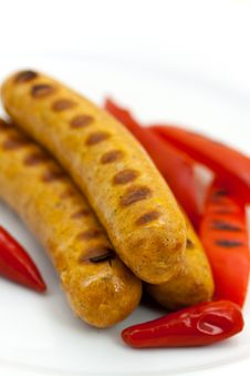 Free Fresh Grilled Sausages With Red Bell Pepper Royalty Free Stock Images - 9826519