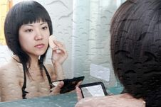 Free Asian Girl In The Bathroom Royalty Free Stock Photos - 9828778