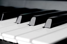Free Horizontal Close Up Of Piano Keyboard Keys Stock Photography - 9833902