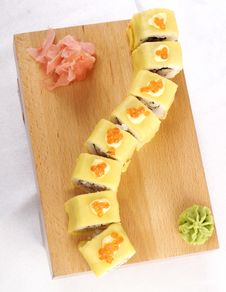 Free Sushi Hotate Avocado Maki Royalty Free Stock Image - 9835846