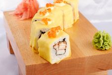 Free Sushi Hotate Avocado Maki Stock Photo - 9835870