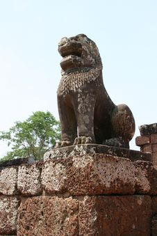 Free Angkor Lion Sculpture Royalty Free Stock Photography - 9837337
