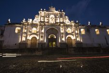 Free Cathedral In Downtown Antigua Royalty Free Stock Images - 9837449