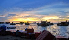 Free Fishing Boats At Sunset In Kota Kinabalu Stock Images - 98351754