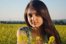 Free Girl On A Yellow Canola Field Royalty Free Stock Images - 9842379