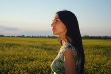 Free Girl On A Yellow Canola Field Royalty Free Stock Images - 9842609