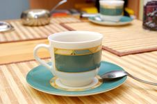Free Empty Cup Royalty Free Stock Photography - 9845117