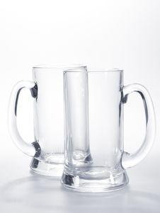 Free Two Empty Mugs Royalty Free Stock Photography - 9849697