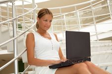 Free Young Woman Working On A Laptop Stock Photography - 9851342