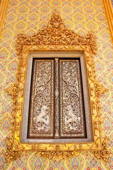 Free Traditional Thai Style Buddhist Church Window Stock Photography - 9852012