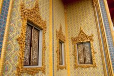 Free Traditional Thai Style Buddhist Church Windows Stock Images - 9852204