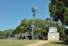 Free The Barn Royalty Free Stock Photos - 9854778
