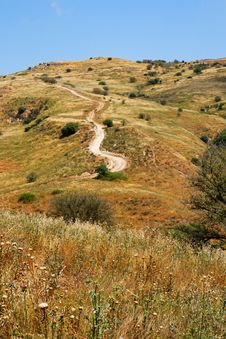 Free Countryside Path To Hilltop Royalty Free Stock Image - 9855116