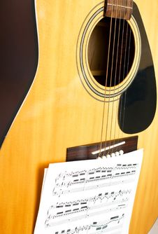 Free Wooden Guitar Royalty Free Stock Image - 9855946