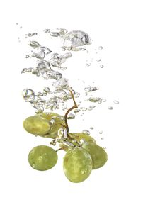 Free Grapes In Water Stock Images - 9857394