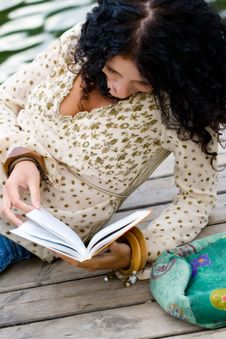 Free Woman Reading A Book Royalty Free Stock Image - 9859006