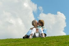 Free Young Couple Royalty Free Stock Photos - 9860978