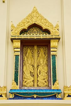 Free Traditional Thai Style Buddhist Church Window Royalty Free Stock Images - 9865789