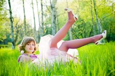 Free Beautiful Girl With Dandelion Royalty Free Stock Photos - 9866298