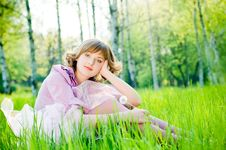 Free Attractive Girl With Dandelion Royalty Free Stock Images - 9866319
